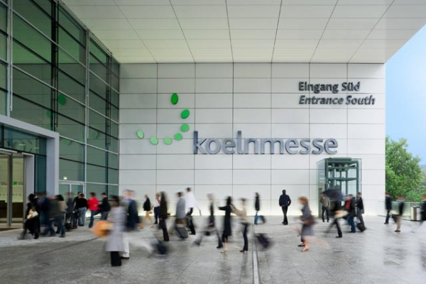 The Entrance South is just a stone's throw from the high-speed rail service at the Köln Messe/Deutz station